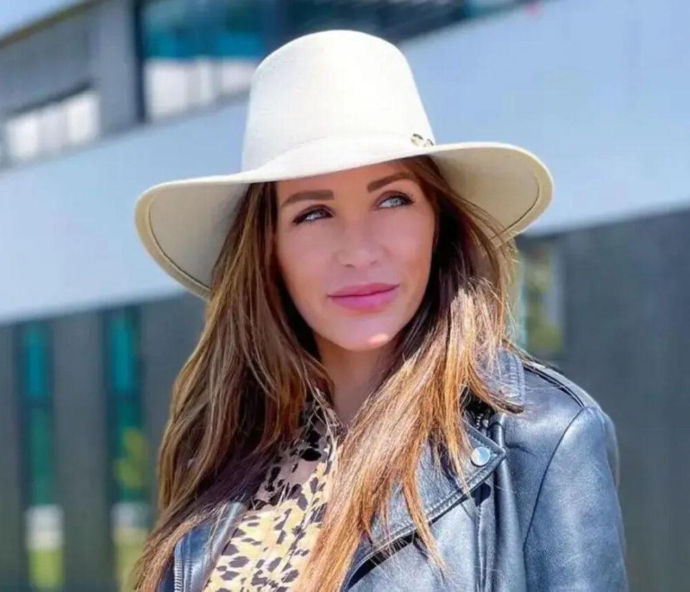 julia-paredes-visage